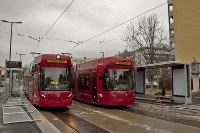 Tw 314 und 321 während der Testfahrt in der noch unfertigen Station Höttinger Auffahrt